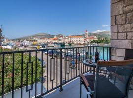 Hotel photo: 4 Elements Old Town Views