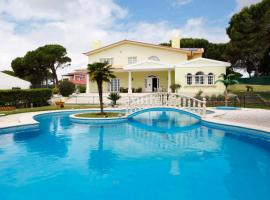 Hotel photo: HomeySuite Luxury in Guincho