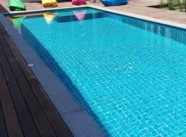Hotel photo: Long N Joy Samui
