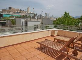 Hotel photo: Two rooms + private bath+terrace-Top Acropolis Location