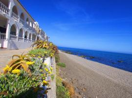 מלון צילום: 1144 · Beachfront 1.line apartment lacala new refurbished