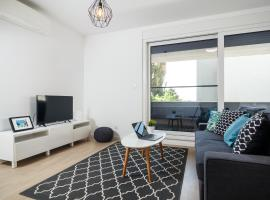 Hotel photo: Two bedroom apt with parking and terrace 2