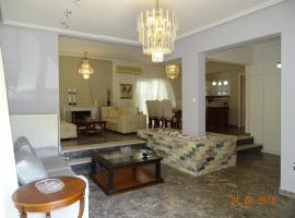 A picture of the hotel: Deluxe apartment near sea !!!