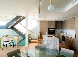 Photo de l'hôtel: Three Stories Penthouse by Real Select Vacations at Residences, Waikiki Beach