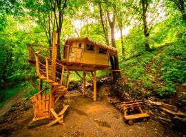 Hotel Photo: Treehouse pod Jestedem