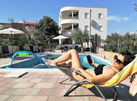 Foto do Hotel: Apartments Božinko