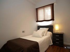 Hotel photo: Sparkling 4 bedroom Apartment in Valencia (FC7903)