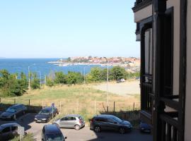 Hotel photo: Nessebar Beach 208
