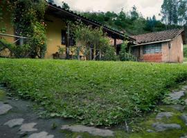 A picture of the hotel: Otavalo Kawsaymi