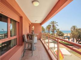 A picture of the hotel: !Primera línea de playa con terraza y garaje!