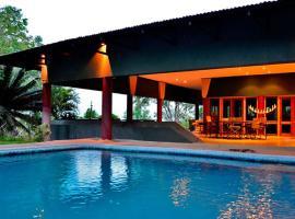 Hotel photo: Bed in the Bush - Tingala Lodge