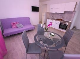 Foto do Hotel: Apartment Rogoznica 15764d