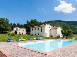 Hình ảnh khách sạn: Child-friendly Holiday Home in Prato with Pool