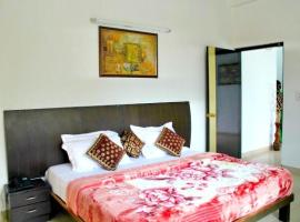 Hotel photo: 3 BHK in DLF Phase 2, Gurgaon, by GuestHouser 16220