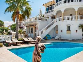 A picture of the hotel: Villa in Cerros del Aguila