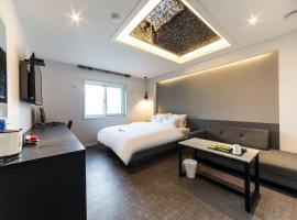 Gambaran Hotel: M7