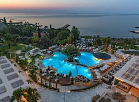 Hotel photo: Mediterranean Beach Hotel