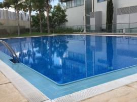 Hotel Foto: Loft with terrace 24m2, swimming pool and garage