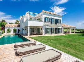 Hotel photo: Exclusive villa Finca Cortesin