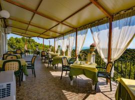 Hotel Photo: Albergo Godenizzo