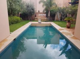 Hotel photo: villa avec piscine privée a golf el maaden marrakech