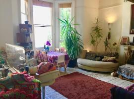 A picture of the hotel: Quirky Flat In Central Hove