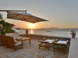 מלון צילום: Kamini Hydra Beach Villa