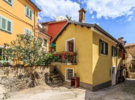 Hotel photo: Small house ForFour in Old Town, Lovran - Opatija