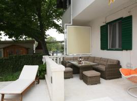 Hotel photo: Apartment Kastel Luksic 15773a