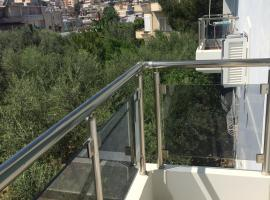 A picture of the hotel: Olive Trees Apartment