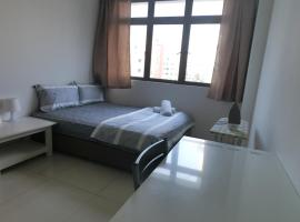 Hotel photo: 3BR Apartment Minutes Drive to Bugis