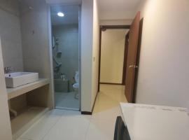 Hotel photo: 3BR 38GL Suites 2