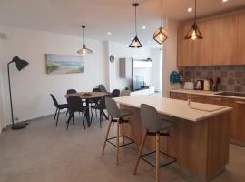 Hotel photo: Seafront St Julians Luxury Apartment