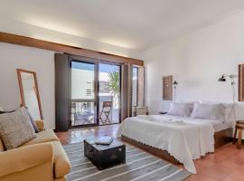 Hotel photo: Sunny & Cozy Top Floor Estoril Apartment