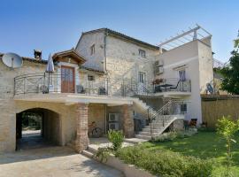 Hotel Photo: Apartment Borgo 8