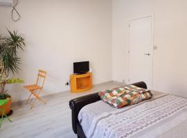 호텔 사진: Habitación en Pozuelo de Alarcón
