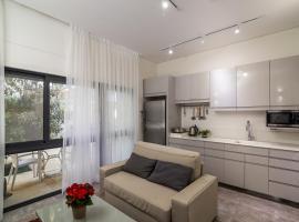 Hotel photo: Ziv Apartments - Mevo Harkavi 6