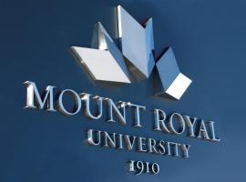 מלון צילום: Mount Royal University Condo