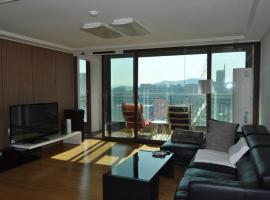 Hotel photo: Gangnam Academy Cozi APT