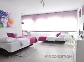 Hotel photo: Purple Maria