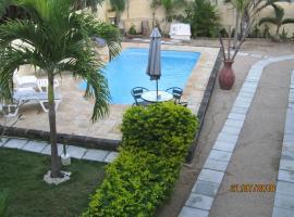 A picture of the hotel: Jolie Villa Santa avec piscine privée