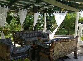 Hotel photo: Bamboo Luxury Cottage