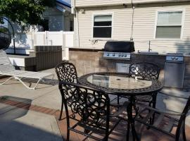 A picture of the hotel: 10 minutes from JFK Airport Rockaway Beach Bliss