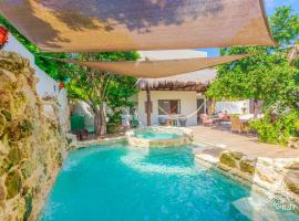 Hotel photo: Peaceful and Luxurious 3 Bedroom House located in Punta Sur.