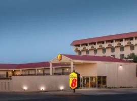 A picture of the hotel: Super 8 by Wyndham Lubbock Civic Center North