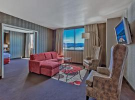 A picture of the hotel: GSR Deluxe Parlor Suite - Very Large - Sleeps 8