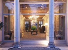 Hotel Photo: Villa F
