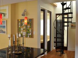 Hotel photo: Historic Fire Station Penthouse with Roofdeck