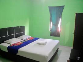 A picture of the hotel: Hotel Ratu Ayu