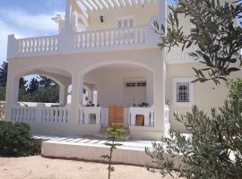 Zdjęcie hotelu: Chambre pour artistes avec grande terrasse